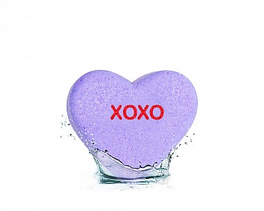 Essentials XOXO Heart Bath Bomb