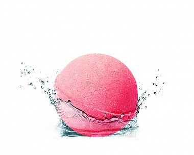 Essentials Rouge Raspberry Bath Bomb