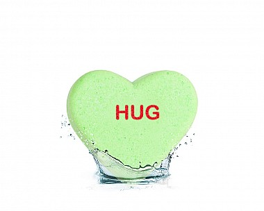 Essentials Hug Heart Bath Bomb