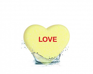 Essentials Love Heart Bath Bomb