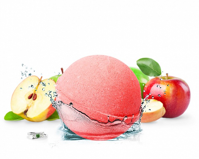 Apple of my Eye Jewelry Bath Bomb