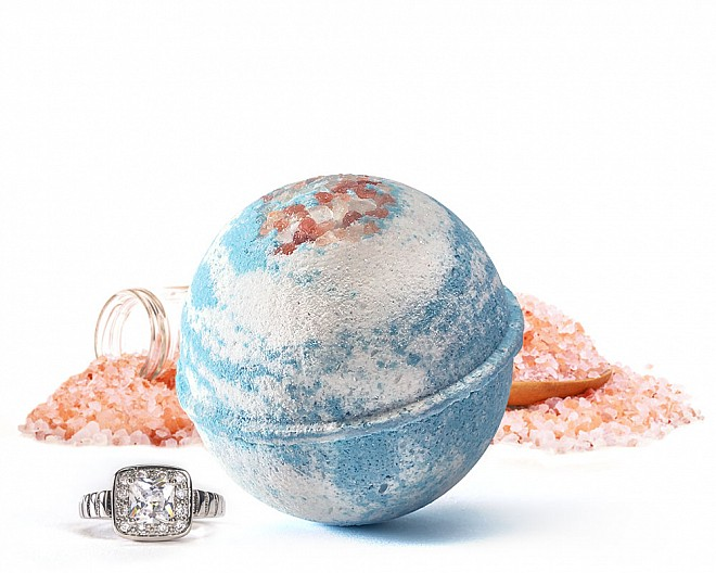 Hydrate Jewelry Bath Bomb